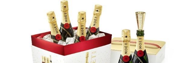 Moët & Chandon a lancé le pack Mini Moët, 'un moyen idéal pour partager des moments agréables avec des amis'. Il contient six mini bouteilles de Moët Imperial et six mini-flûtes dorées. Cet emballage maintient les bouteilles positionnées et protégées.