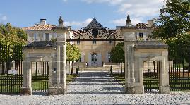 Premier grand cru classé exploité par la famille Helfrich (Grands Chais de France)