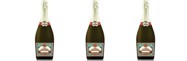 Commercialisées sous la marque Les Dauphins, les bulles du Cellier des Dauphins se déclinent en blanc et en rosé.