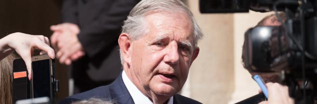 Ayant pris ses fonctions ce 17 mai, le sénateur auvergnat Jacques Mézard a succédé au député sarthois Stéphane Le Foll (Parti Socialiste).