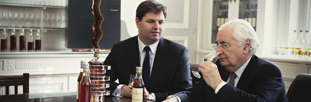 La succession de Renaud (39 ans, à gauche) à Yann Fillioux (70 ans, à droite) est désormais effective, après avoir été officiellement annoncée il y a un an.