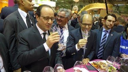 Salon de l'agriculture : François Hollande reconnaît la valeur du vin pour la France