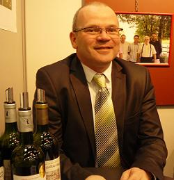 Bordeaux : Pierre-Etienne Garzaro réélu à la présidence des vignerons indépendants