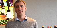 Paul Caris est à la fois diplômé en oenologie (faculté de Bordeaux) et en management (KEDGE).