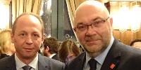 N'ayant pas évoqué avec le ministre Stéphane Travert (à droite) la campagne du tire-bouchon de l'INCA ou le projet de dénormalisation de la consommation de vin par le ministère de la Santé, Antoine Leccia (à gauche) souligne que ces débats n'existent pas hors de France.