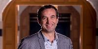 Damien Cambres bénéficie d'une grande expérience en Champagne, notamment dans la coopération, avec quinze années passées chez Nicolas Feuillatte.