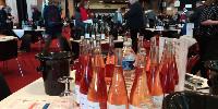 Regroupant les vins de 4 000 producteurs en moyenne, les étapes de sélection en région et à la capitale réunissent plus de 3 000 jurés.