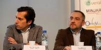Guillaume Guerlot (à gauche) et Laurent Provost (à droite) présentent des réalisations de chais bioclimatiques lors du 18ème forum de Davayé