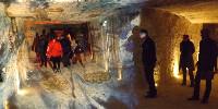 Des visites insolites de caves sont proposées par plusieurs domaines, coopératives et négoces en Val de Loire, comme ici chez Monmousseau à Montrichard.