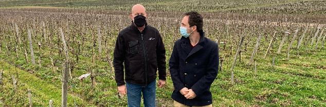 According to Alix Combes (left), Arinornoa is very tannic and Marselan is particularly easy to manage, whilst Touriga Nacional has the advantage of displaying low alcohol content. Lack of ripeness can imply worthwhile potential for adaptation.