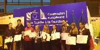 Réalisée ce 2 mars à Paris, la remise des prix du Concours des Jeunes Professionnels du Vin se faisait en même temps que celle du Concours de Jugement des Animaux par les Jeunes (lauréats à gauche). Sur la photo se trouvent Paul Antoine Suzzoni (2ème à gauche), puis Camille Guibert (5ème), Maud Vallé (6ème), Romain Ayello (7ème), Charlène Contesse (8ème) et Yara Pereira (8ème).