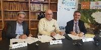 De gauche à droite : Jacky Maria, président du directoire de Vinadéis, Joël Castany, président du Conseil de surveillance de Vinadeis et Laurent Roy, directeur général de l'Agence de l'eau Rhône Méditerranée Corse.