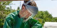 Le tablier S-Protect Plus est dédié à la préparation de la bouillie et au nettoyage du pulvérisateur