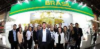 Toujours positionné dans le hall 9 du parc des expositions de Düsseldorf, le stand brésilien a reconduit son concept de «sparkling lounge».
