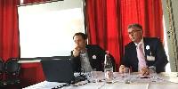 Nicolas Ponzo, directeur de l'interprofession des vins du Roussillon (à gauche) et Philippe Bourrier, président lors de leur conférence de presse le 25 mars à Paris