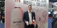«La canette permet d'introduire le vin dans des évènements dont il serait normalement banni, comme les festivals» explique Thierry Berger, ce 13mai sur le stand de Producta à Vinexpo.