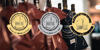 350 dégustateurs du monde entier se sont réunis à Aigle, en Suisse, pour déguster et noter 9 150 échantillons.