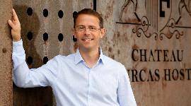 Eloi Jacob dirige la conversion à la biodynamie du château Fourcas Hosten