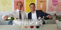 Après 650 000 verres servis en 2016, l'interprofession bordelaise peut s'attendre à des records pour l'édition 2018 (à gauche son président Allan Sichel, à droite son directeur de la communication Christophe Chateau).