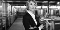 Séverine Frerson possède un DEA de biochimie et un DESS œnologie de la faculté de Reims.
