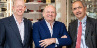 « Nous allons en apprendre plus sur les attentes de nos consommateurs et sur le développement du marché des vins fins » explique Etienne Bizot (à droite), aux côtés de Gary Boom et Michael Spencer (respectivement le fondateur et le directeur general de BI Wines).