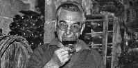 'En plus de ses nombreux millésimes légendaires, Auguste Clape restera dans la mémoire de ceux qui ont eu la chance de le connaître comme un homme d'une grande humilité et sincérité' déclare son importateur américain Kermit Lynch, sur Twitter.