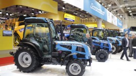 Stands Landini et New Holland au salon Eima 2018