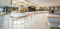Se trouvant entre les portes 25 et 26 du terminal 1, ce bar à vin est ouvert tous les jours de la semaine.