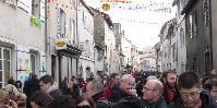 Soulagement en Franche-Comté, la Fête du Vin Jaune reprend ses quartiers itinérants en animant le premier week-end de févier. Revenant à l'Étoile, comme en l'an 2000.