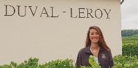 Pilotant la qualité des raisins dans le respect de l'environnement, Jessica Schneider est également à l'origine de la certification végane de Duval-Leroy.