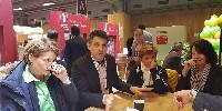 Au centre, Thomas Montagne, président des vignerons indépendants de France, rappelle l'attachement de son mouvement à l'indépendance et la diversité des entreprises.