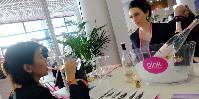 Lieu de rendez-vous d'affaire, cet autre festival de Cannes va mettre en avant une sélection de vins rosés pétillants