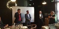 De gauche à droite : Pierre Clément, président de Vino Vision, Fabrice Rieu, président de Vinisud, Philippe Lefebvre, journaliste et médiateur de la conférence, et Pascale Ferranti, directrice de Wine Paris