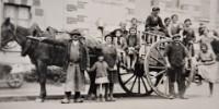 1933 : Départ en vendanges à Saint-Lambert du Lattay, au cœur de la vallée du Layon en 1933.