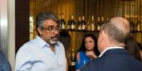 Prakash, véritable passionné de vin, s'est donné la mission de transmettre son savoir aux malaisiens