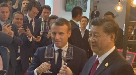 The two presidents tasting the wines on November 5.