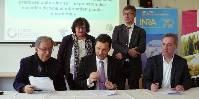 Lionel Choplin, Florent Morillon et le professeur Patrice Rey ont signé ce deux décembre la première chaire industrielle en agronomie (depuis le lancement de ce co-financement par l'ANR, en 2011).