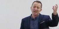 Ayant rejoint comme assistant de recherche l'INRA en 1990, Laurent Torregrossa a passé son doctorat en 1994.
