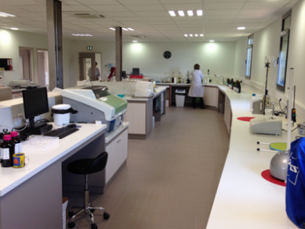 Grande Bourgogne : l'IŒC inaugure son nouveau laboratoire d'analyses œnologiques
