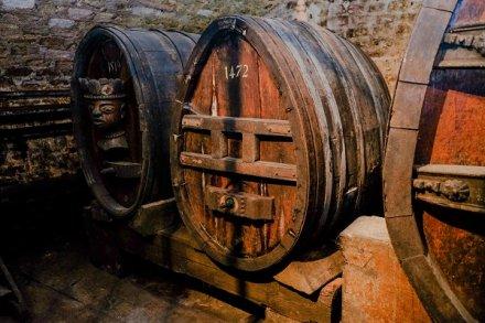 Le plus vieux vin du monde change de fût