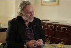 Robert Parker : absent des primeurs de Bordeaux, présent sur les étiquettes de... Badoit