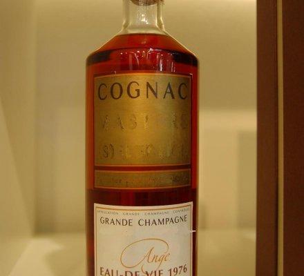 Cognac et Armagnac : la capsule jaune d'or officiellement réintroduite