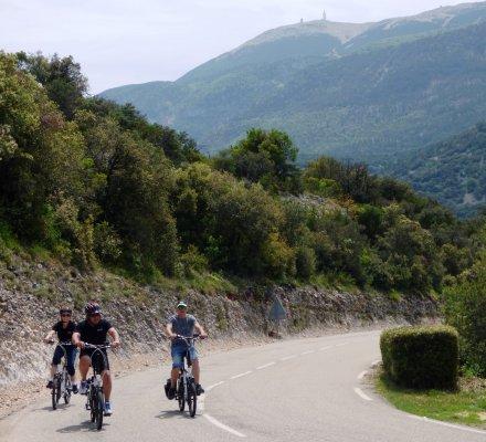 Oenotourisme : la nouvelle activité de TerraVentoux…Un tour du Mont Ventoux en vélo électrique