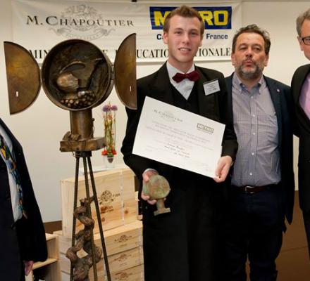 Jordane Breyton, jeune sommelier étudiant lauréat du « Grand prix M Chapoutier »