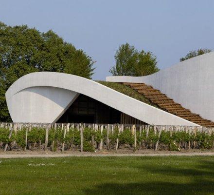 Grands vins de Bordeaux : Château Cheval Blanc inaugure ses nouveaux chais