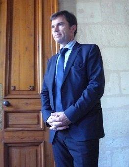 Bordeaux : les vendanges commencent, l'enquête chinoise continue