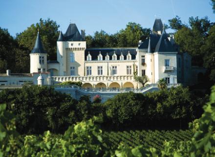 Drame à Fronsac : endeuillé, le château de la Rivière reste tourné vers l'avenir