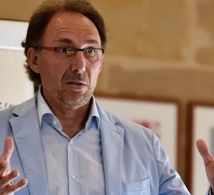 Les Outsiders de bordeaux : le critique Jean-Marc Quarin tient son salon des vins
