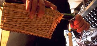 Au service du vin : le métier de sommelier désormais défini à l'international